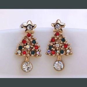 $3 BOGO item NEW Christmas tree earrings